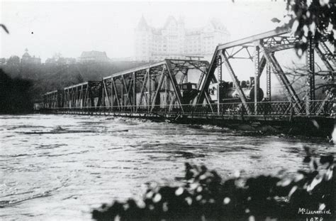 The 1915 Flood and the Rescue of the Low Level Bridge