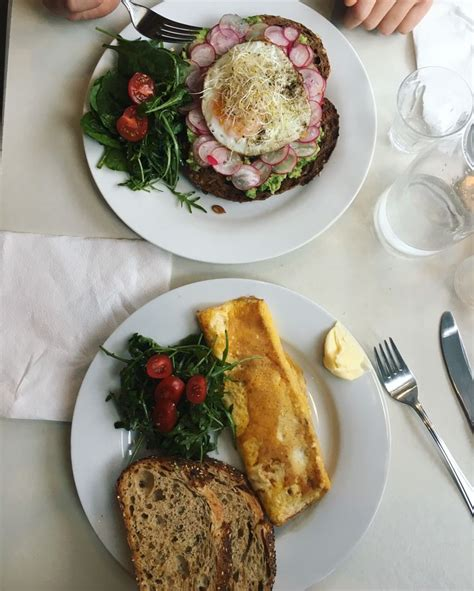 Pin by CARO on Grubbing'2k'19   Breakfast cafe, Egg toast